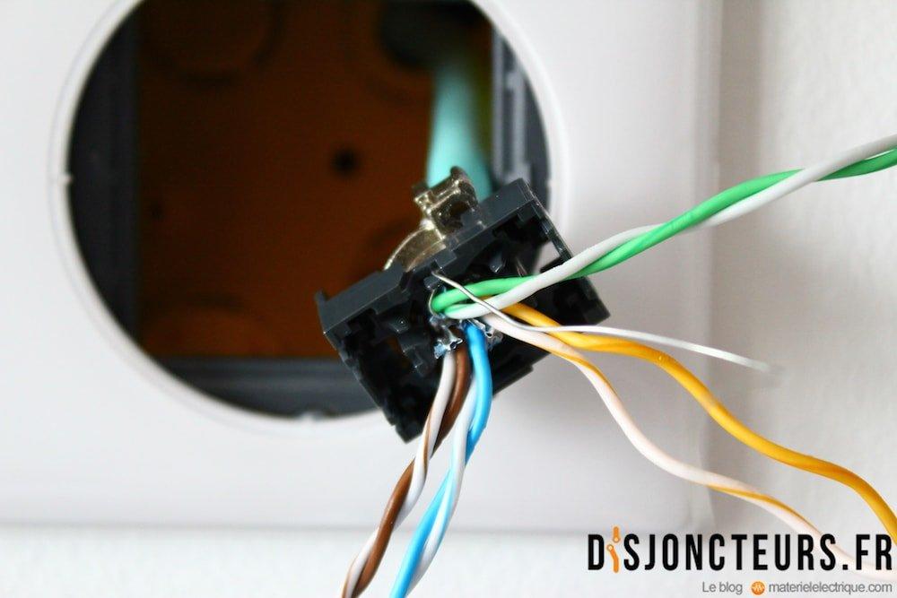 Coffret VDI : Détail du câble RJ45 dénudé