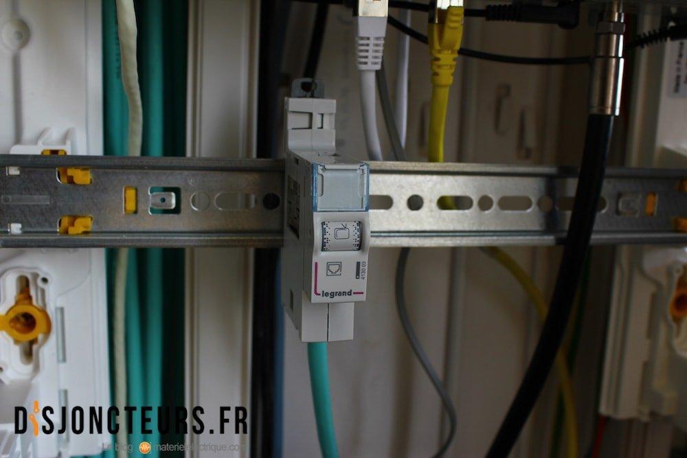 Coffret VDI : le module est clipsé au tableau