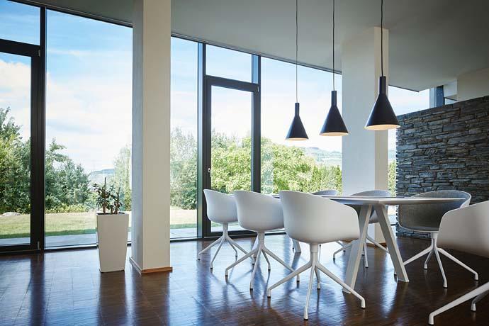 Luminaires SLV by Declic dans un séjour / Salle à manger