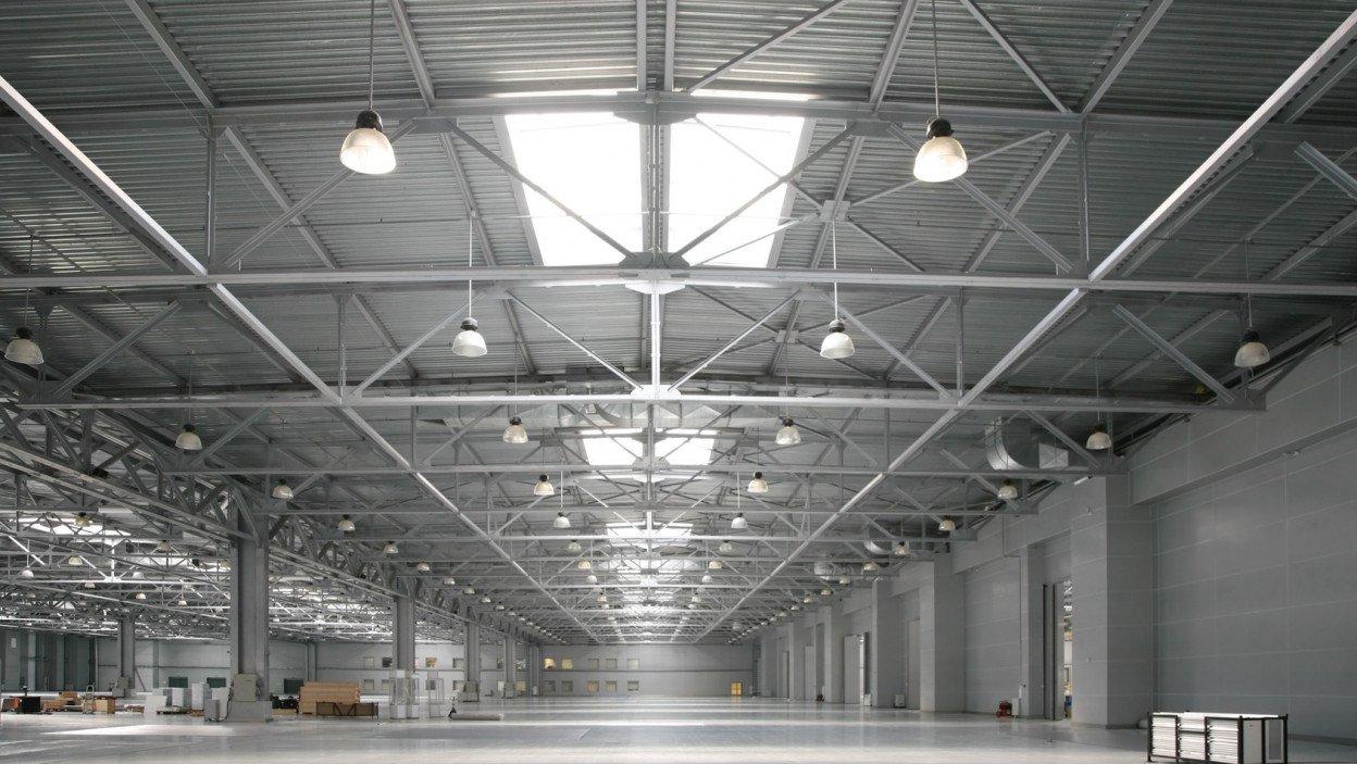 éclairage d'un entrepôt