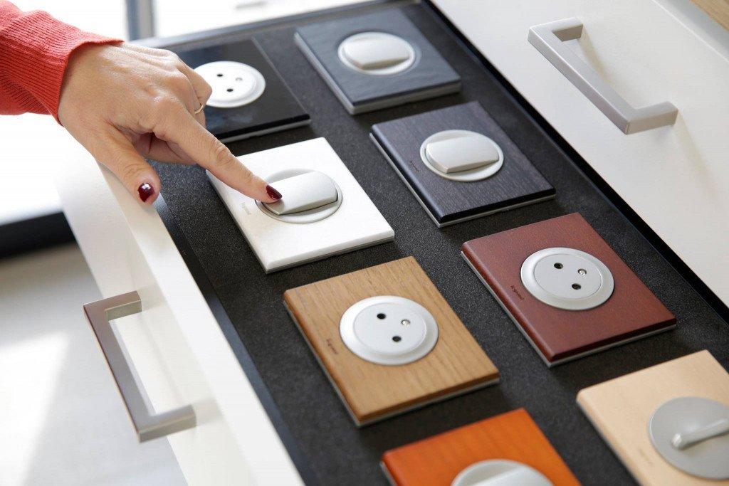 Céliane : prise électrique, prise USB, variateur, interrupteur, ...
