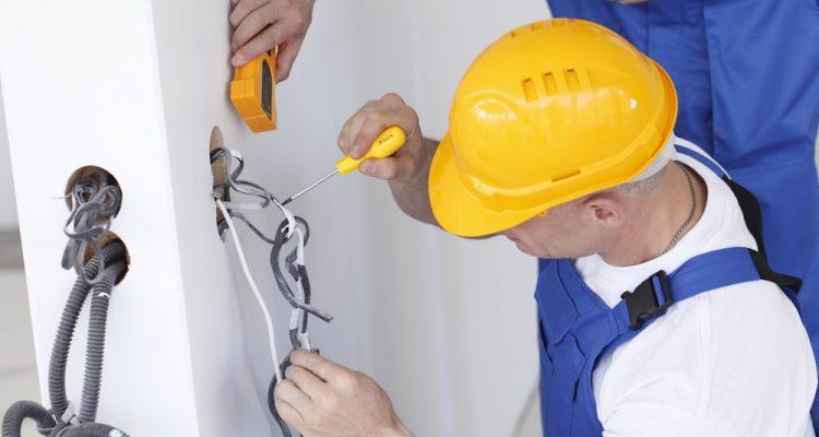 La gamme de tire-câbles Strapy Box pour les professionnels et les particuliers