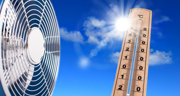Un climatiseur ou un ventilateur pour vous protéger de la chaleur