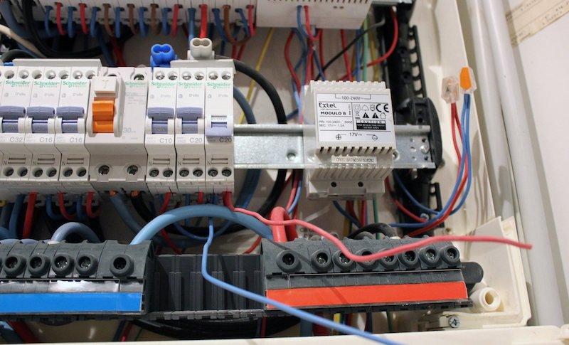 Tutoriel d'installation d'une aliementation modulaire Modulo Extel pour visiophone - 05