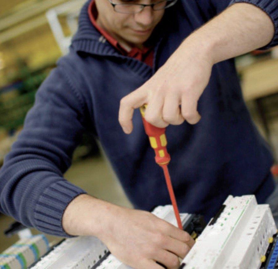 Installation de disjoncteurs Acti 9