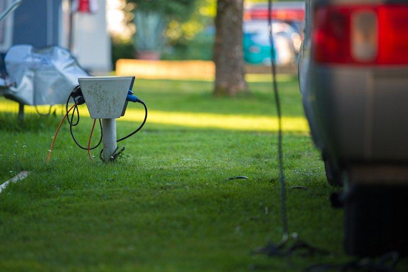 Préparez le brancement de votre caravane au réseau électrique