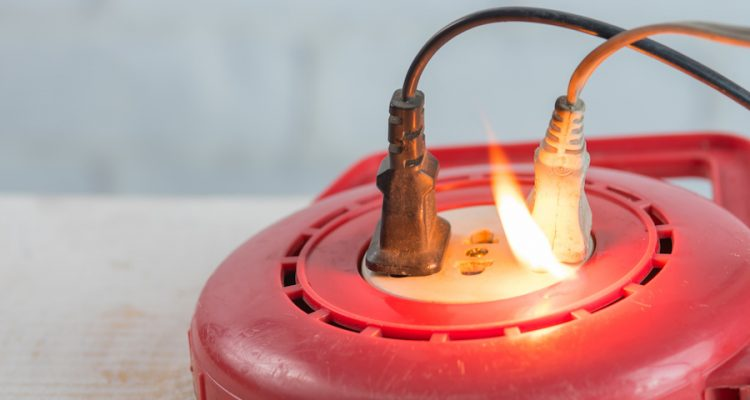 Les principales causes d'un incendie électrique