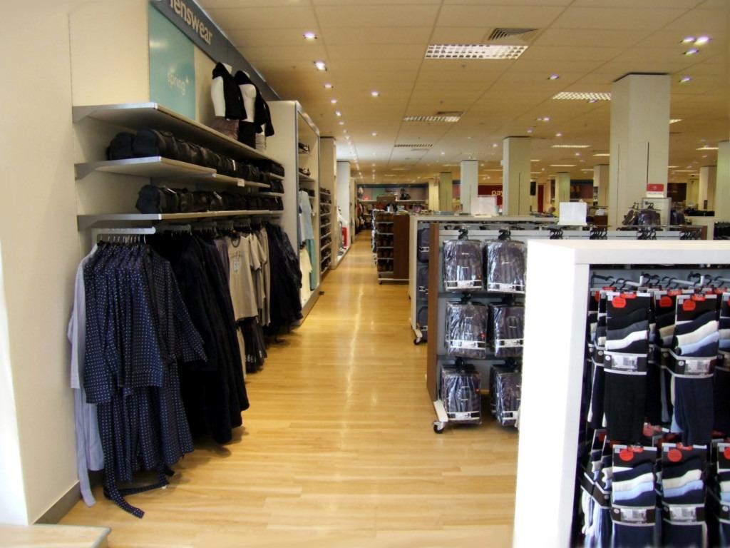 Comment éclairer une boutique de vêtements ?