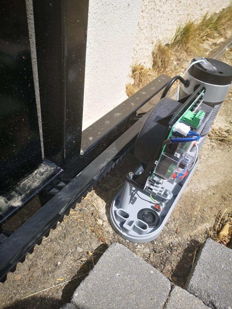Tutoriel d'installation du kit de motorisation de portail coulissant Thomson 0002b