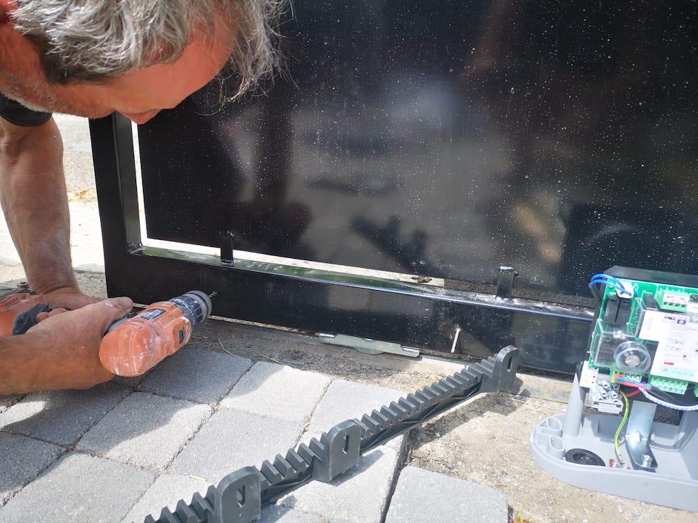 Tutoriel d'installation du kit de motorisation de portail coulissant Thomson 0008