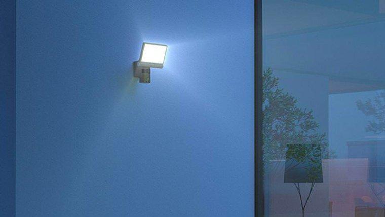 Le projecteur LED solaire