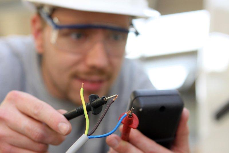 Utilisation d'outils de mesure en cas de panne électrique